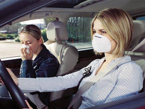 Vieze geur uit auto verwijderen